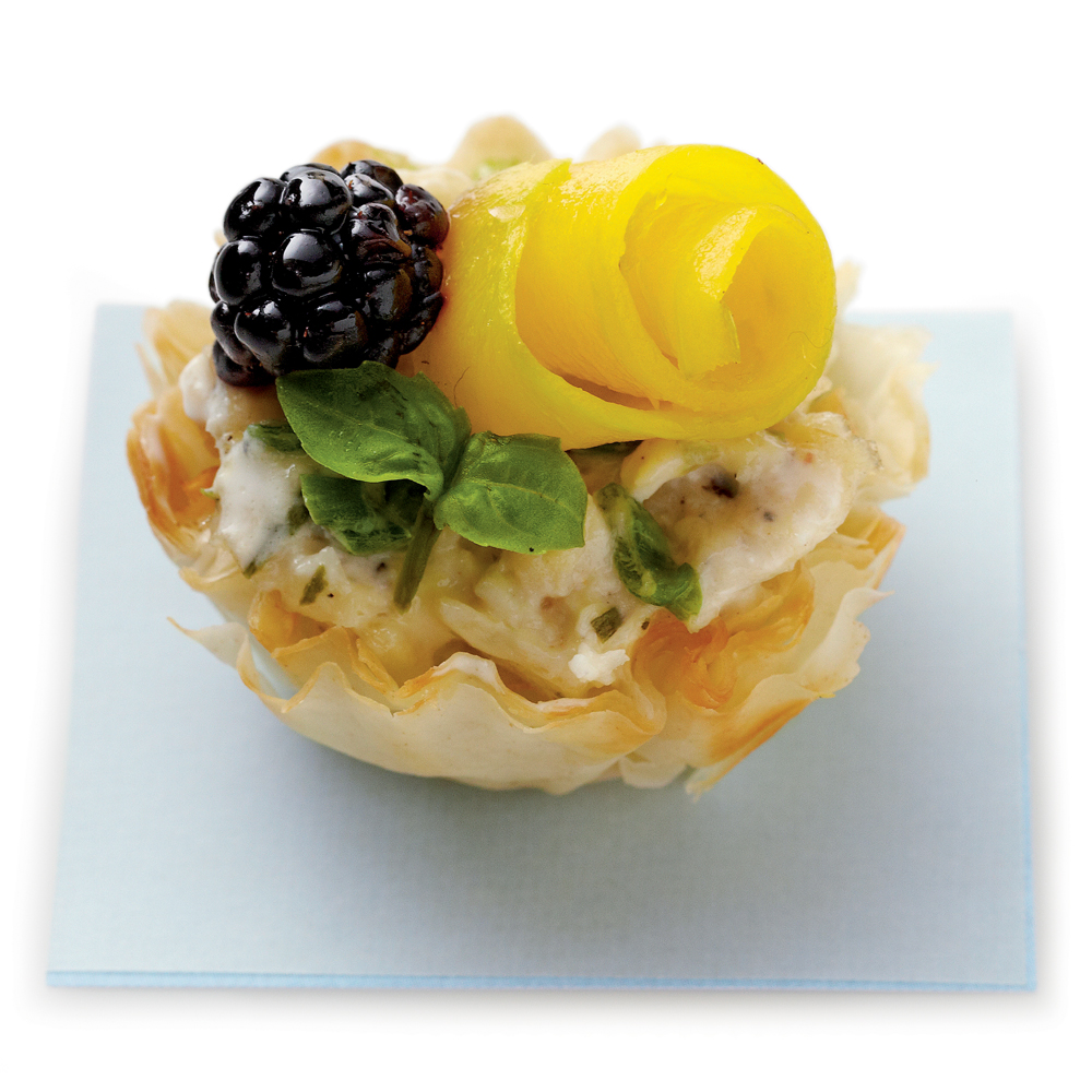 Chicken Salad Tarts RecipeThis appetizer recipe for Chicken Salad Tarts is perfect for any occasion and (almost!) too pretty to eat.