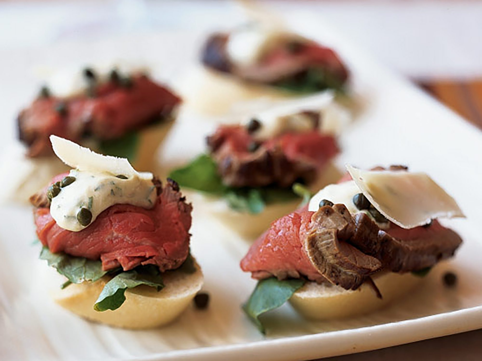 Seared Beef Tenderloin Mini Sandwiches With Mustard Horseradish Sauce