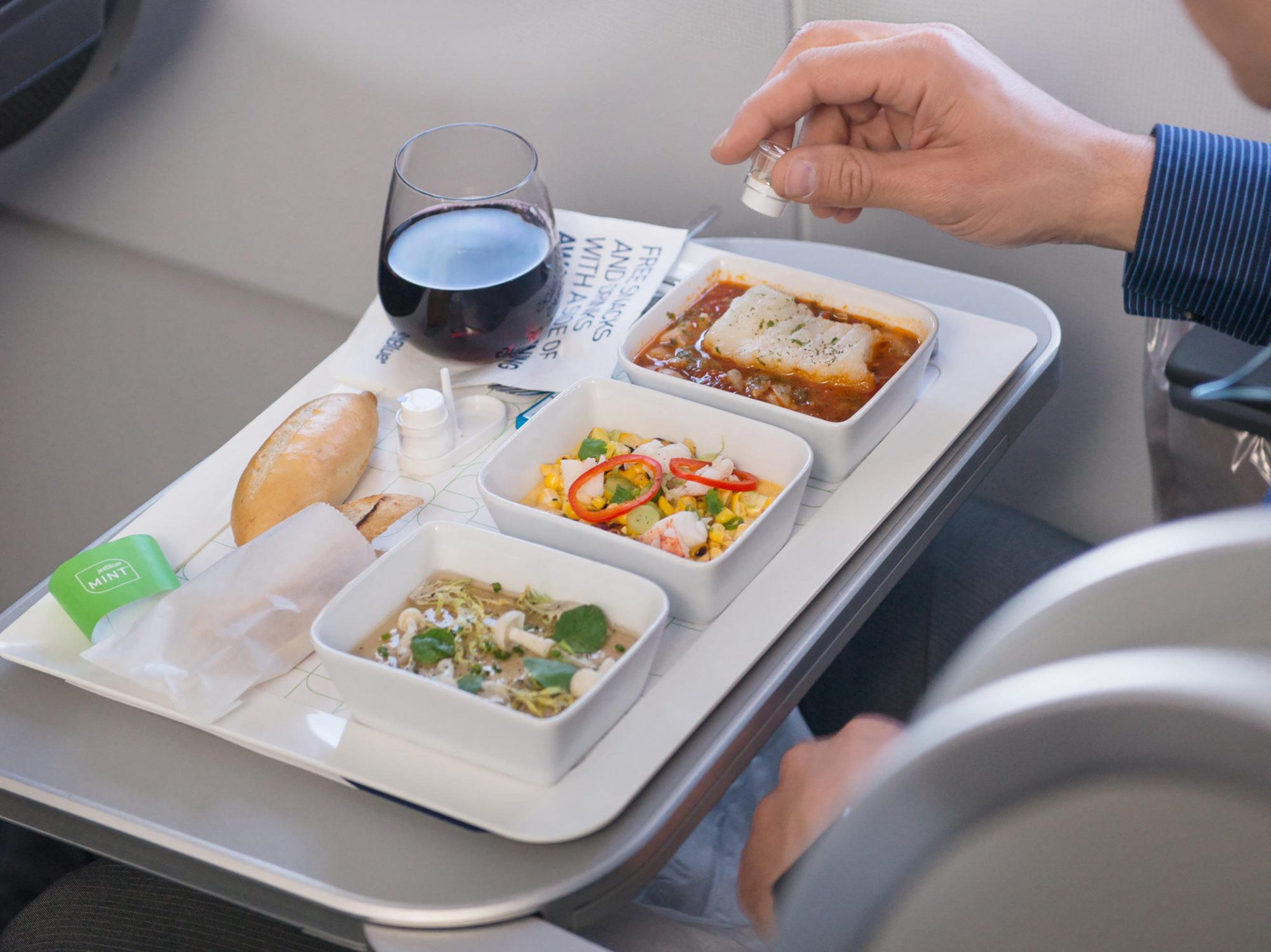 Here's How to Get the Healthiest Airline Meal When Traveling 1808w-JetBlue-mint-meal