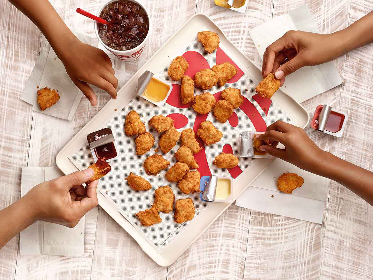 photo Chick-fil-A takes the title. The classic McNuggets are second, followed by Burger King and Wendys. Chick-fil-As simple little nuggets provide the right texture, flavor, and crispy goodness that lead us to believe it has the best chicken nuggets in the game