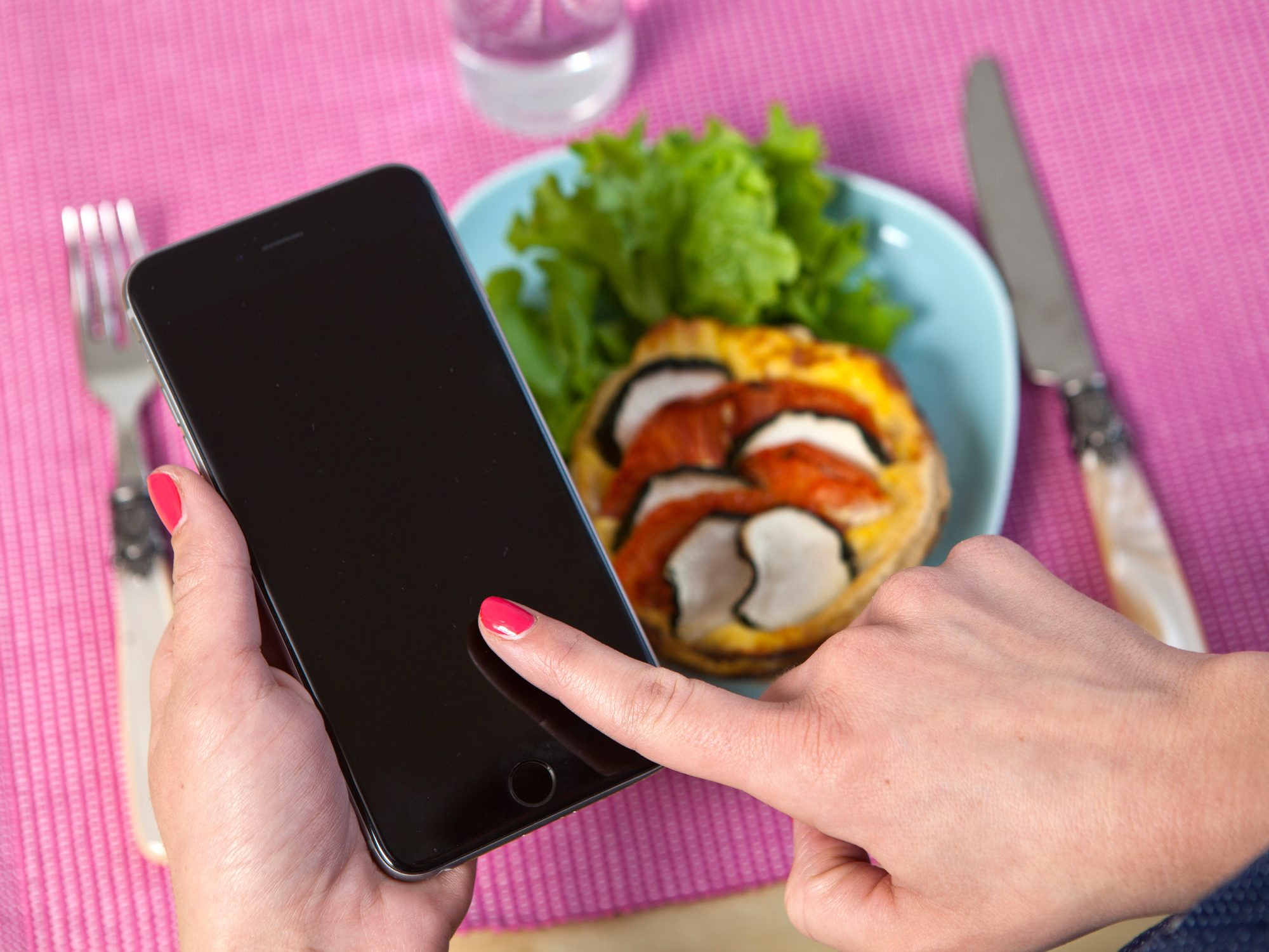 Noom Is the Diet Taking Over Instagram, but Does It Work?
