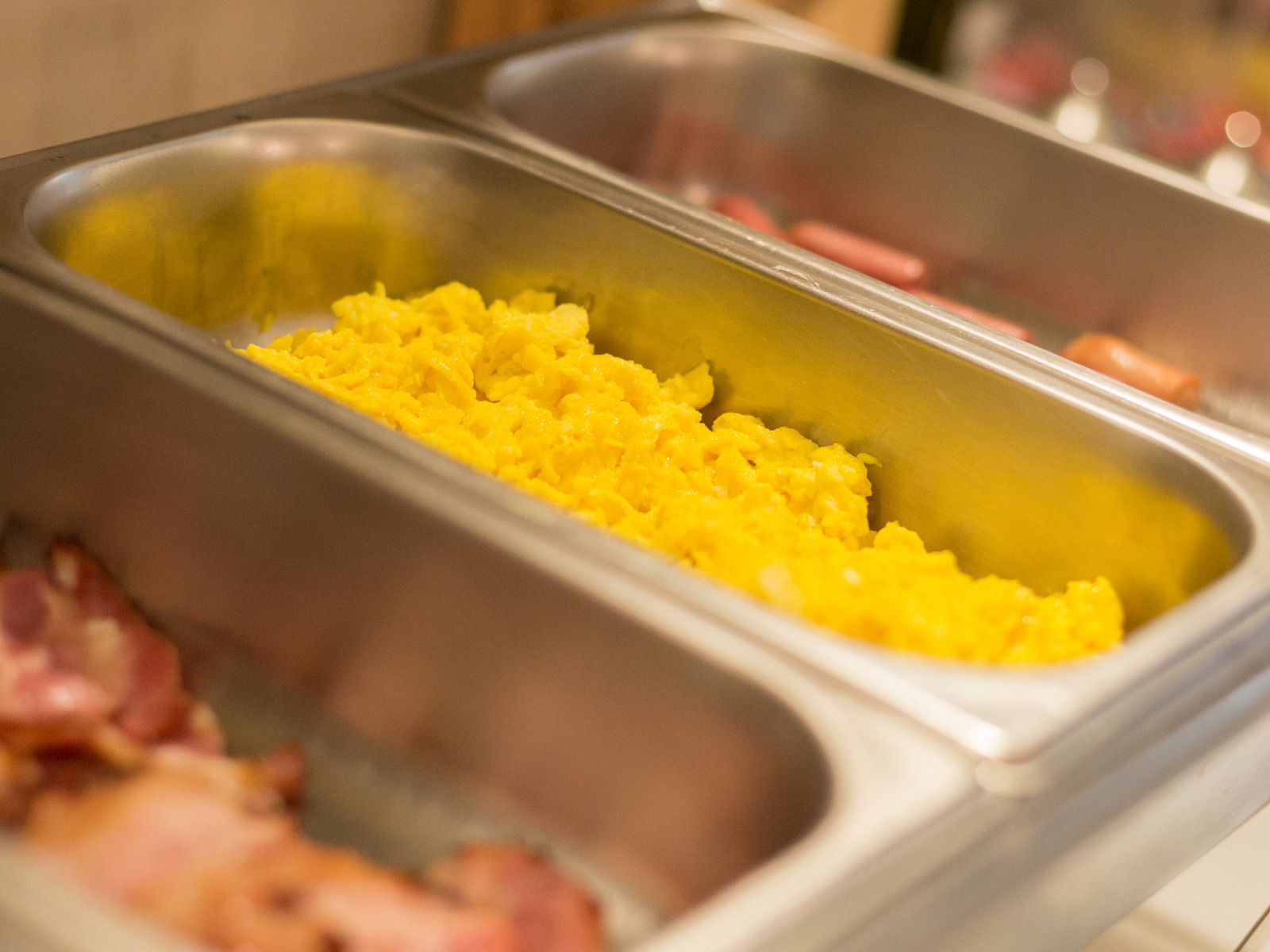 scrambled-eggs-tray.jpg