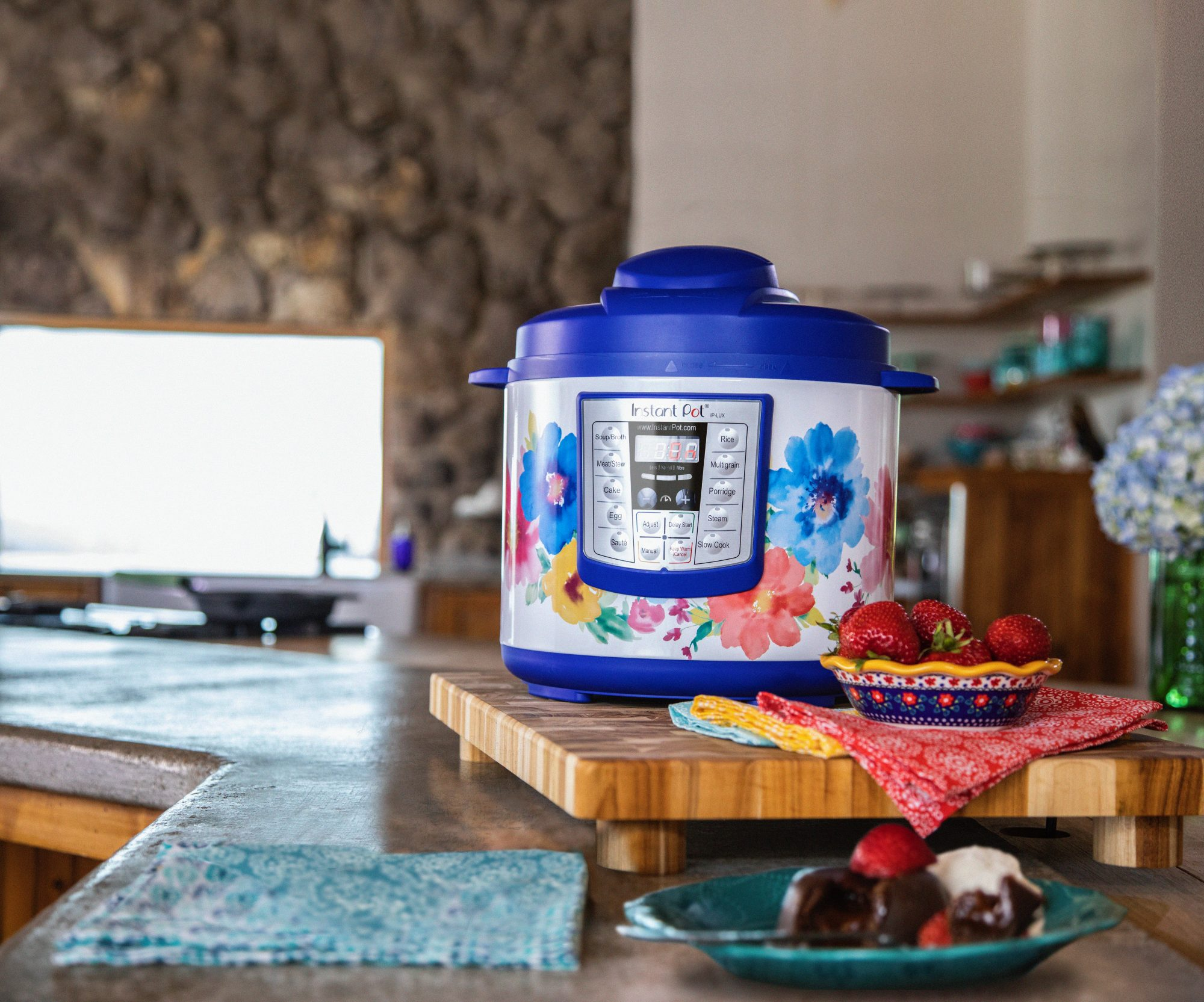 Pioneer Woman Ree Drummond Unveils Her New Line of Affordable Instant Pots at Walmart instantpot-blue-and-chocolate-lava-cake
