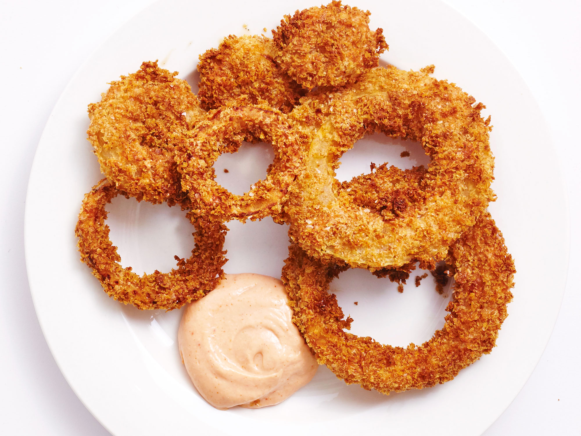 These Crispy Air Fried Onion Rings With Comeback Sauce Have 1g Sat