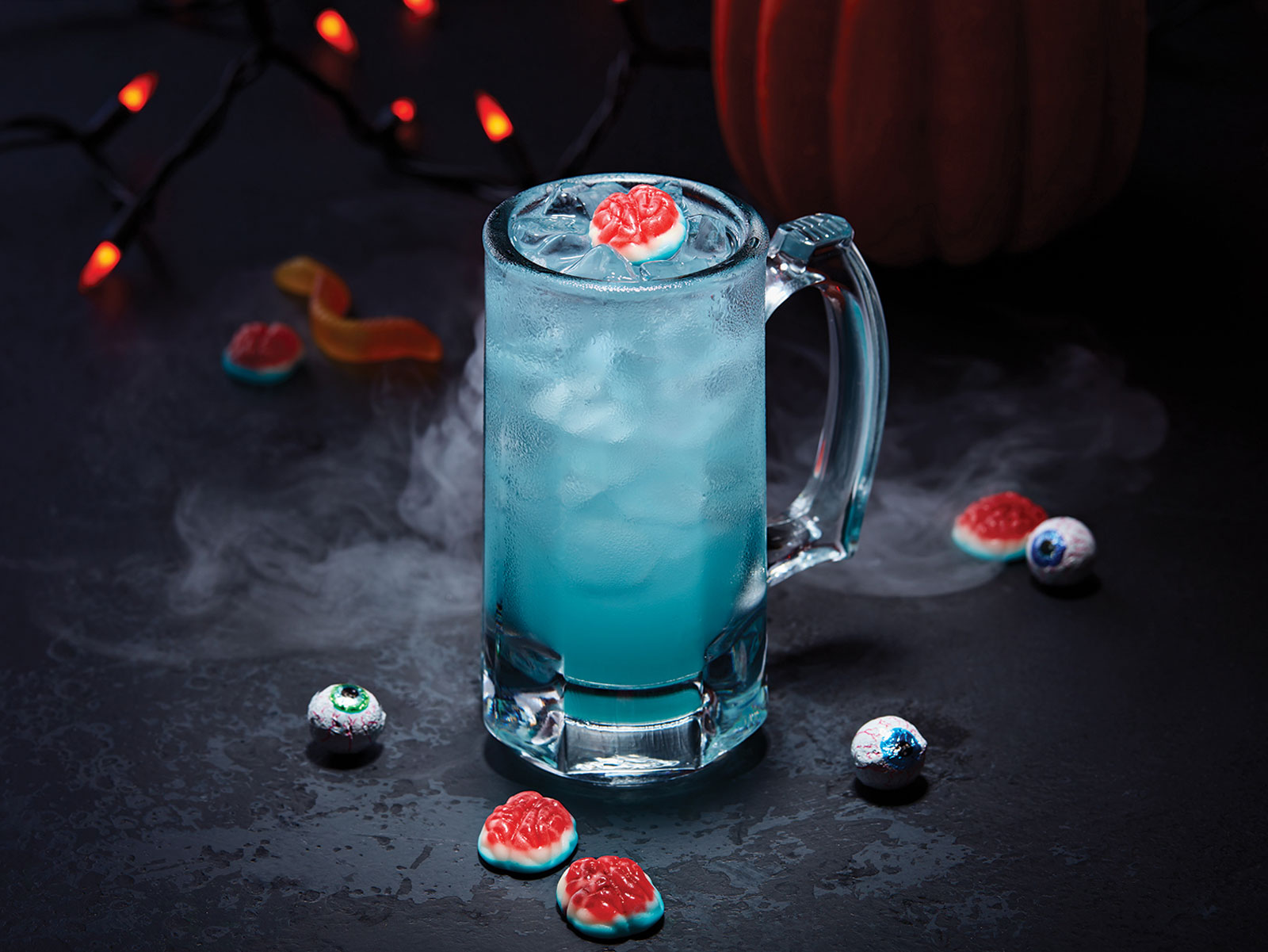 Applebee's $1 Cocktail for October Is Appropriately Creepy