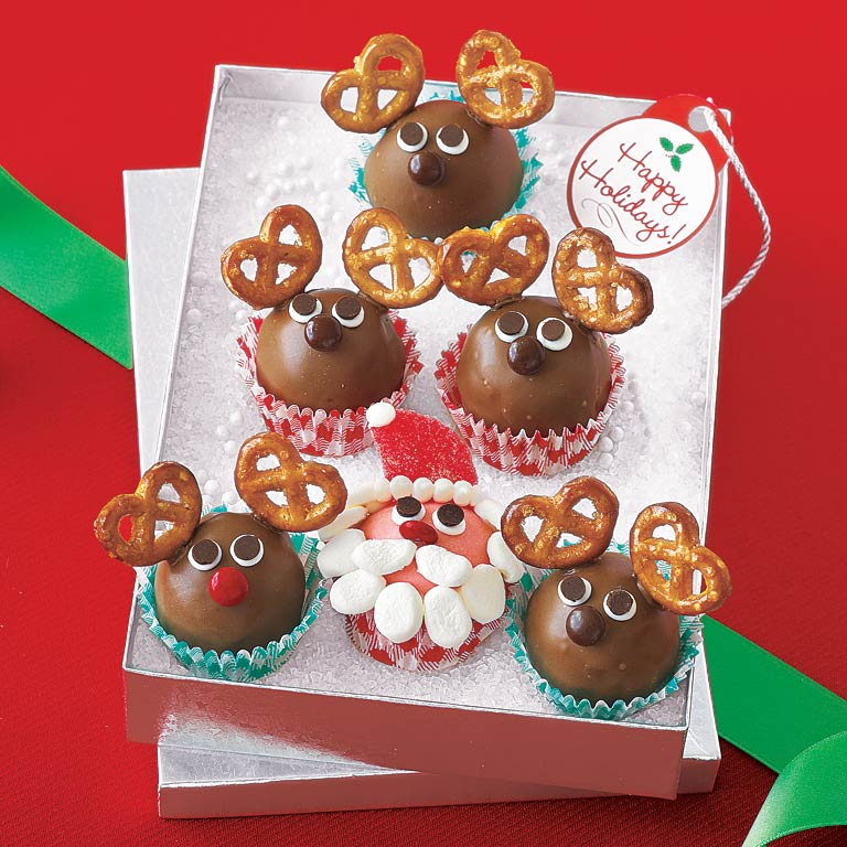 <p>Santa and Reindeer Truffles</p>