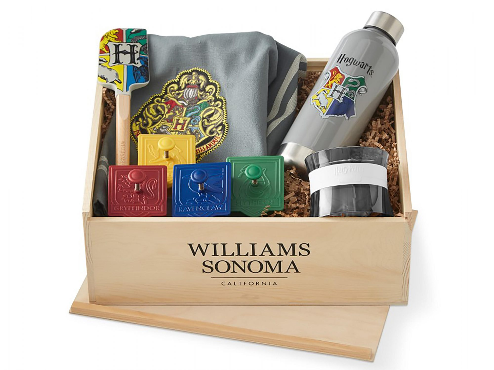 Williams Sonoma Adds New Harry Potter Items Just in Time for Holidays 1810w-HP-Gift-set