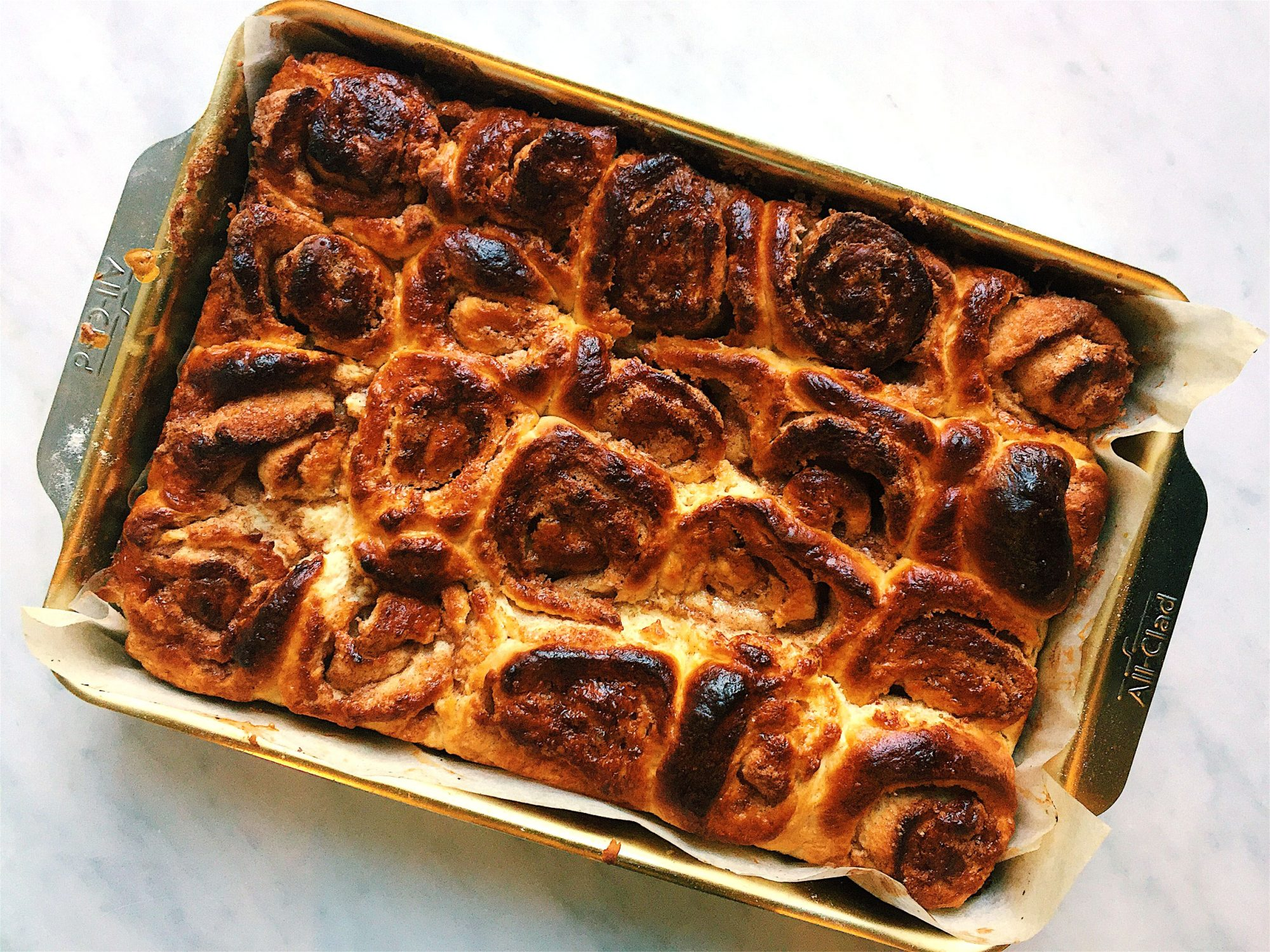 cinnamon-rolls-beauty-nigella.jpg