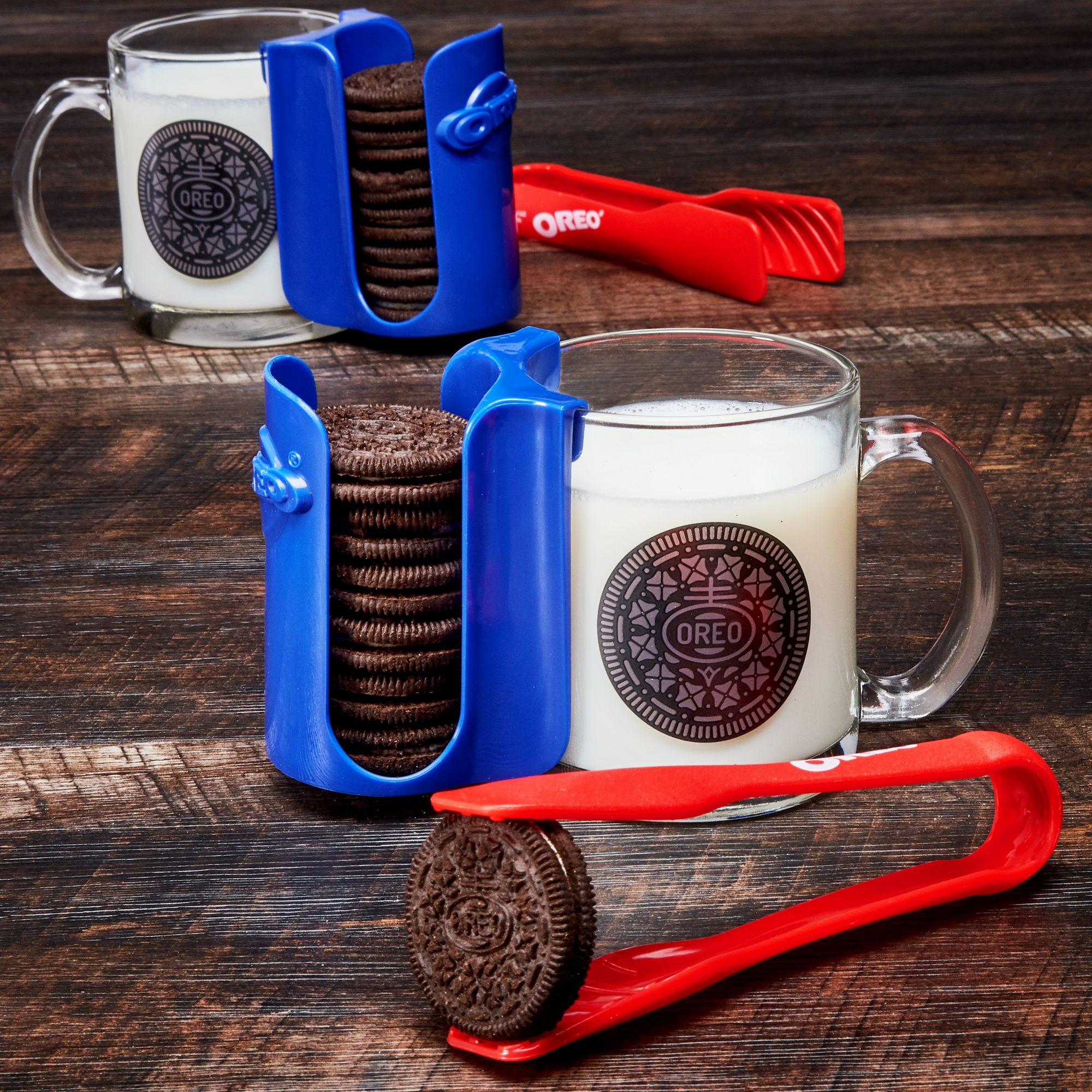 An Oreo Dunking Set Exists and It's Everything We Ever Dreamed Of