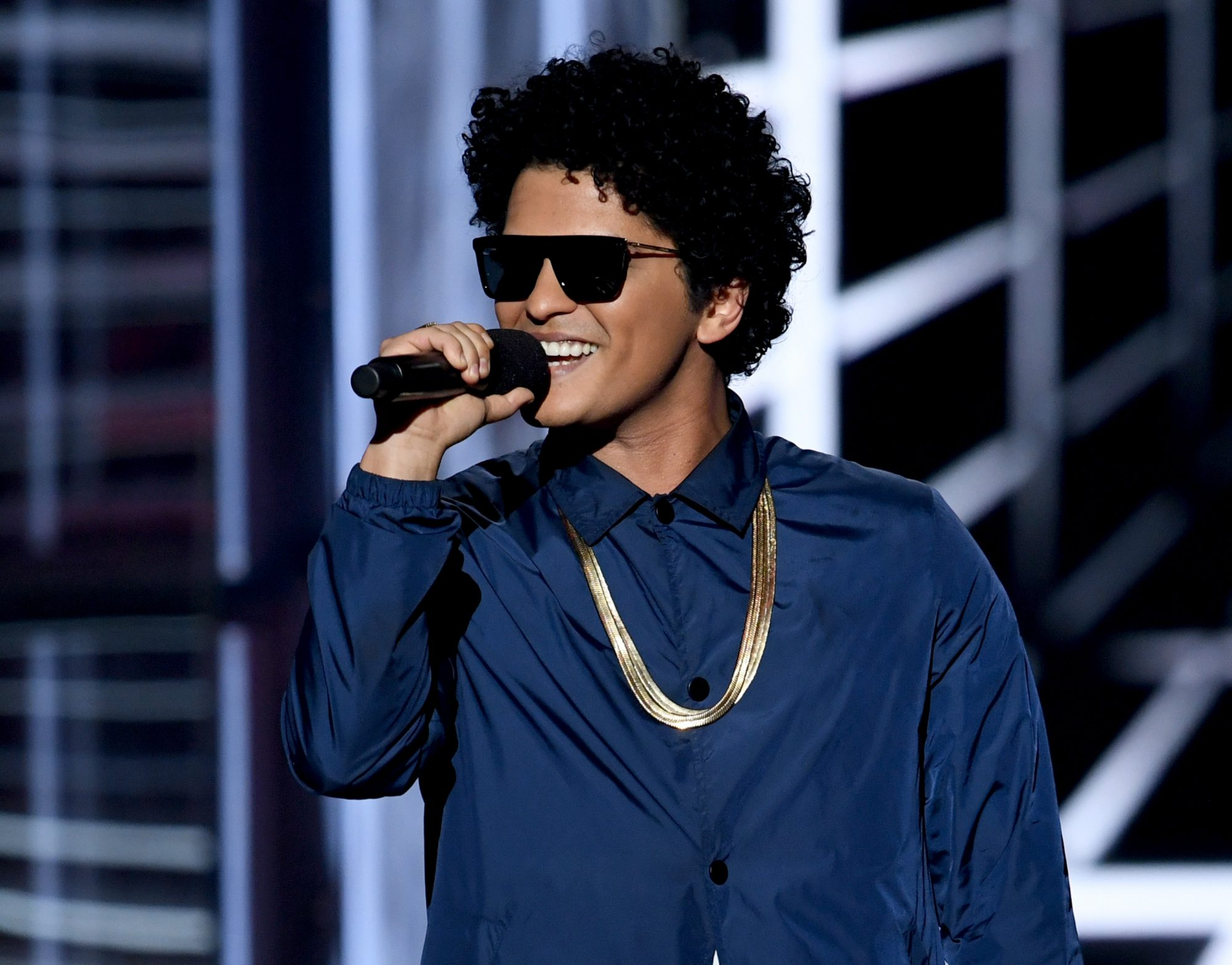 Bruno Mars is Donating 24,000 Thanksgiving Meals This Year