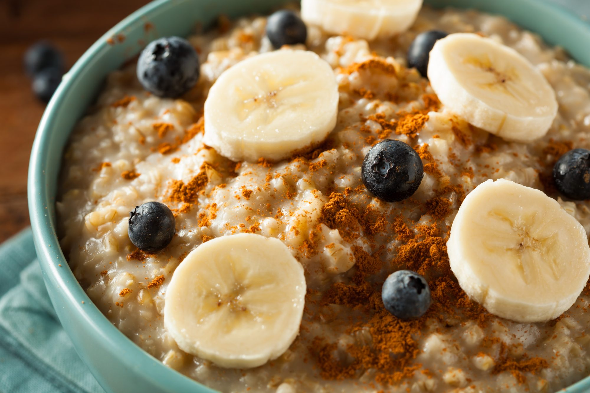 How to Make Simple, Tasty Oatmeal on the Stove