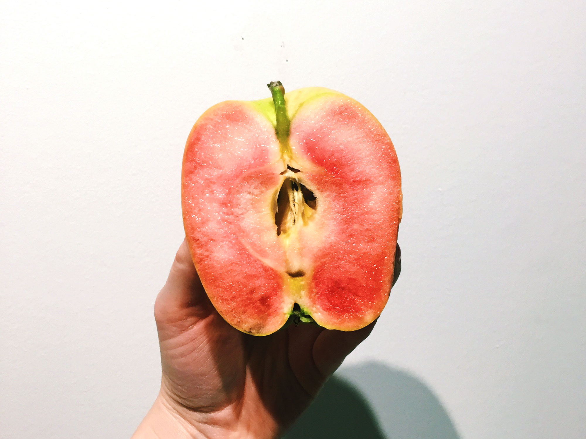Here's an Apple That Tastes Like Pink Lemonade