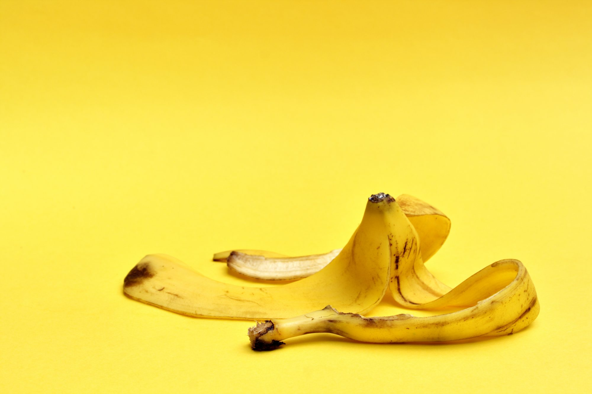 The Pros and Cons of Baking with Banana Peels