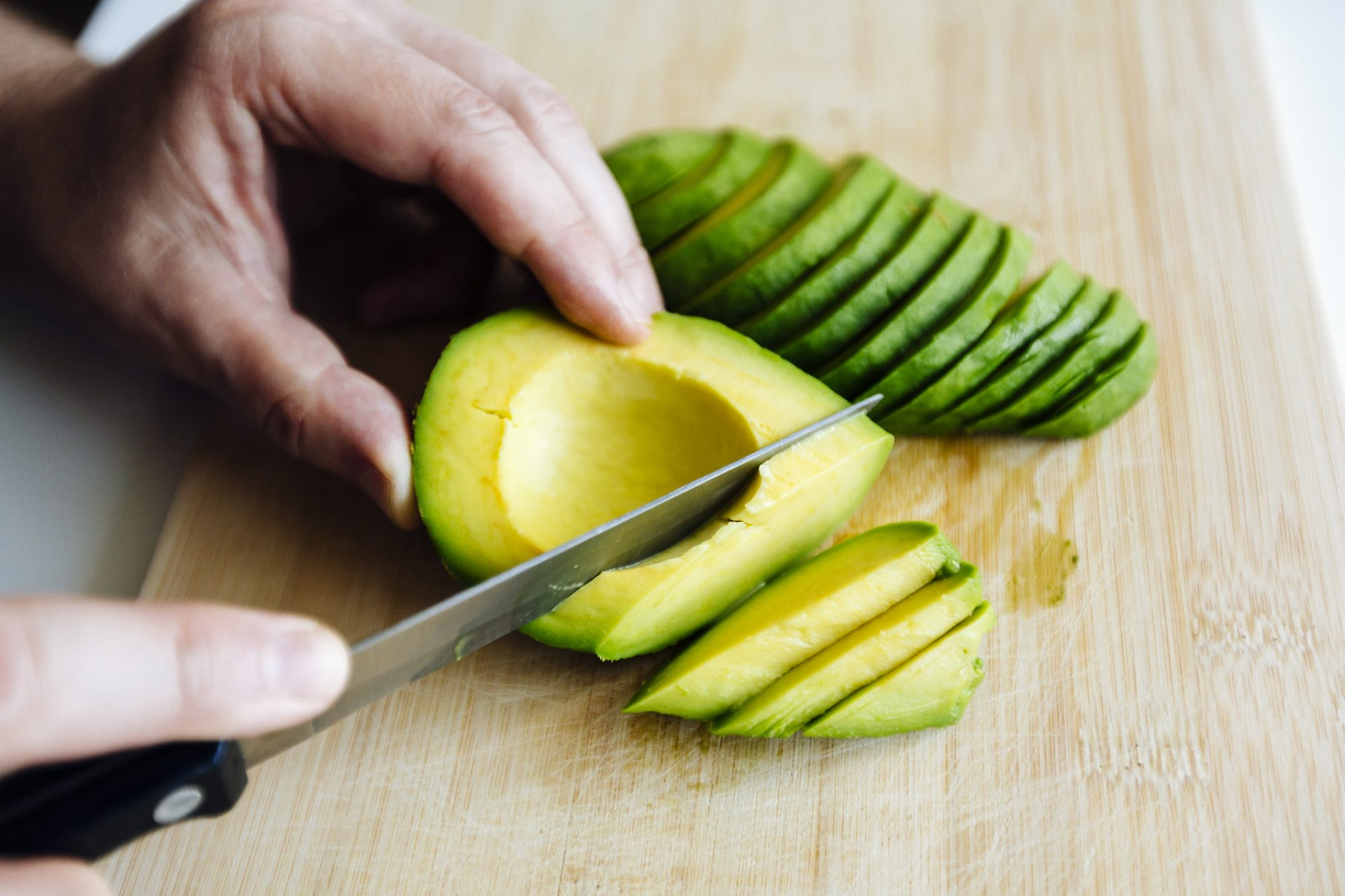 Avocado Hand Costs New Zealand Hundreds of Thousands of Dollars Each Year