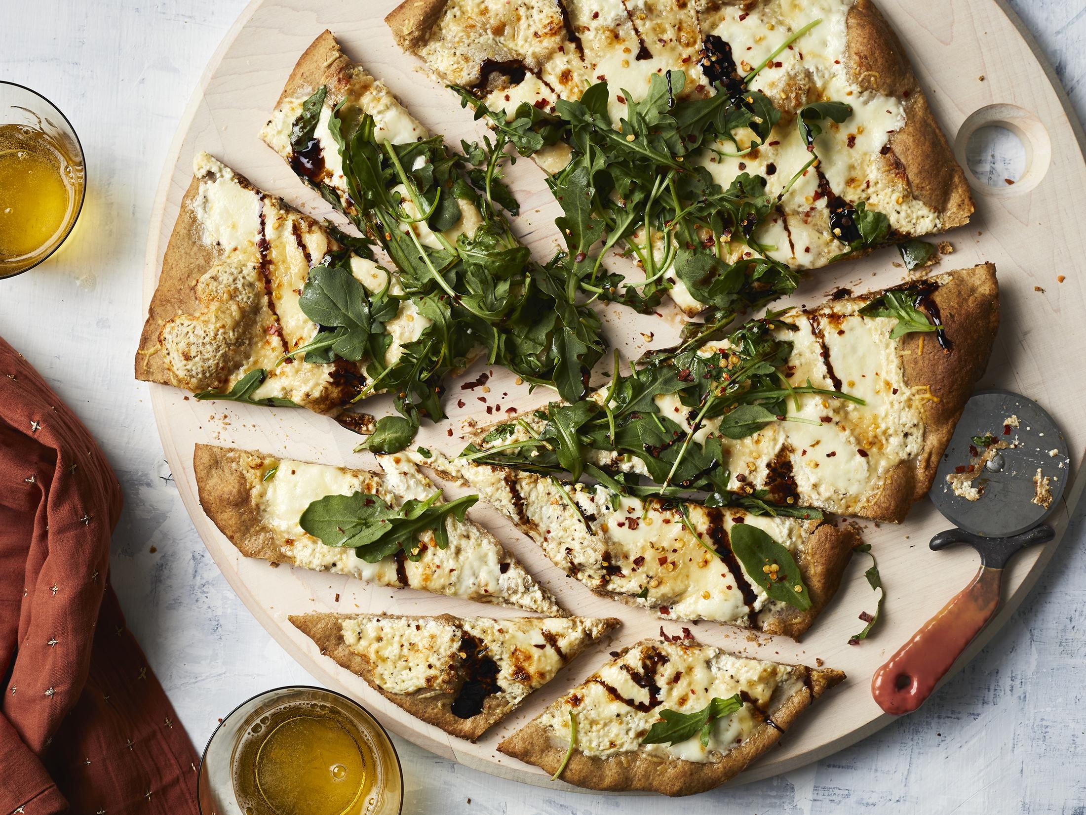 cheesy rye pizza