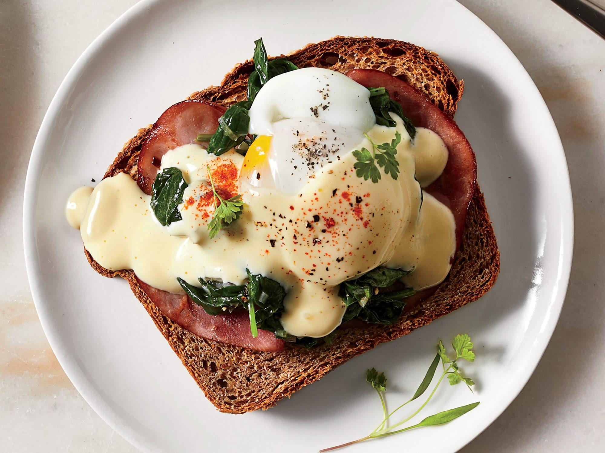 Sous Vide Eggs Benedict