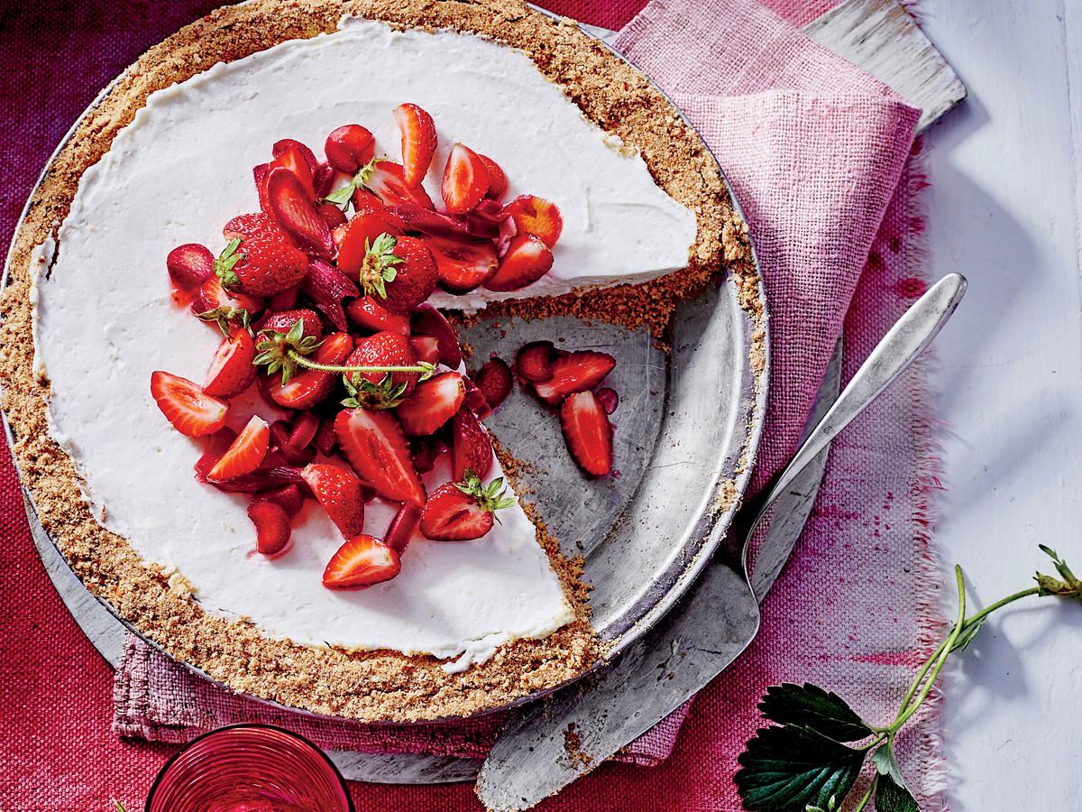 Strawberry-Rhubarb Pretzel Pie
