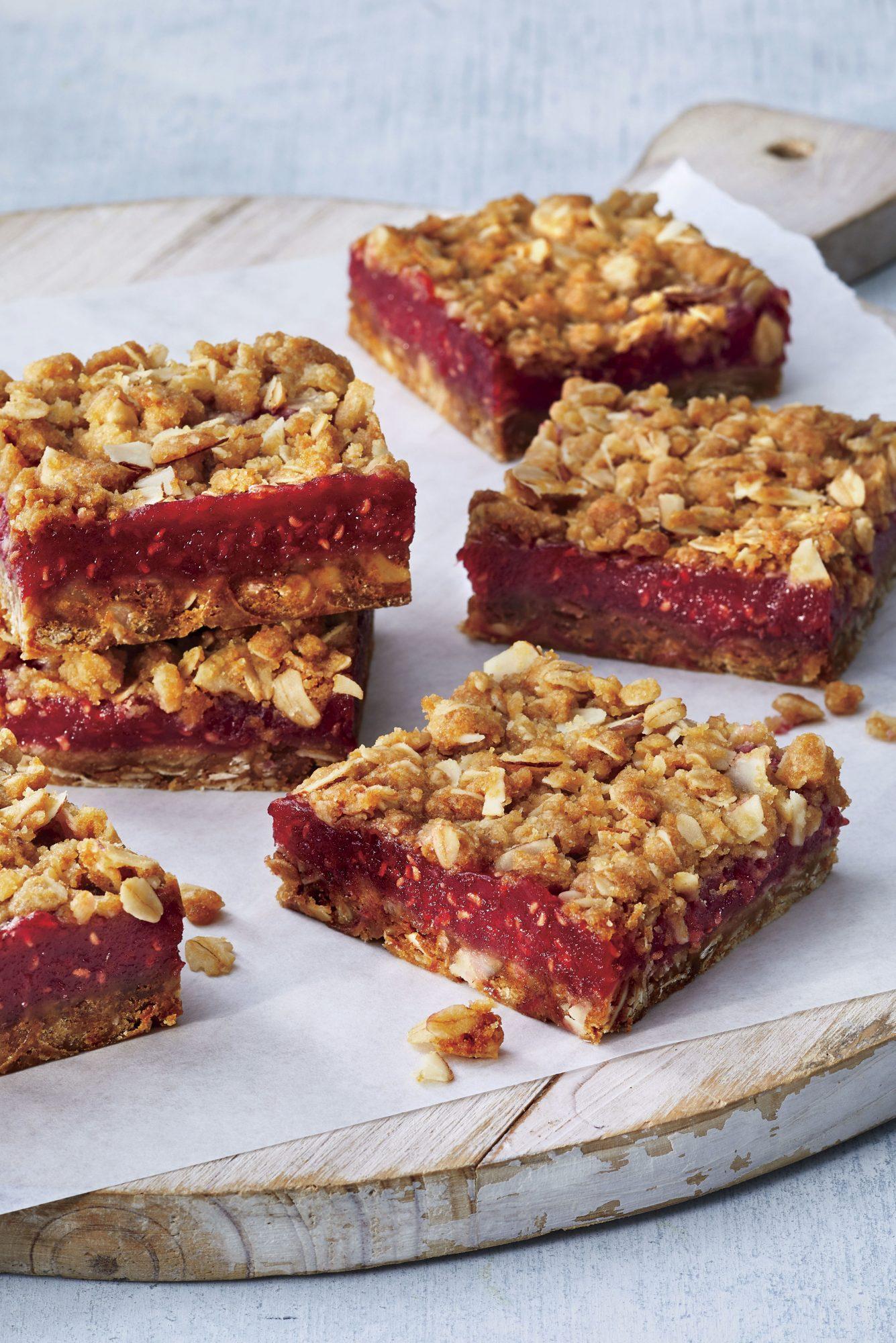 Raspberry-Almond Crumble Bars