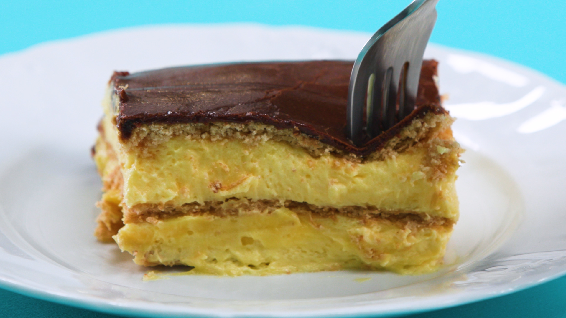 No Bake Chocolate Eclair Cake 16x9.jpg