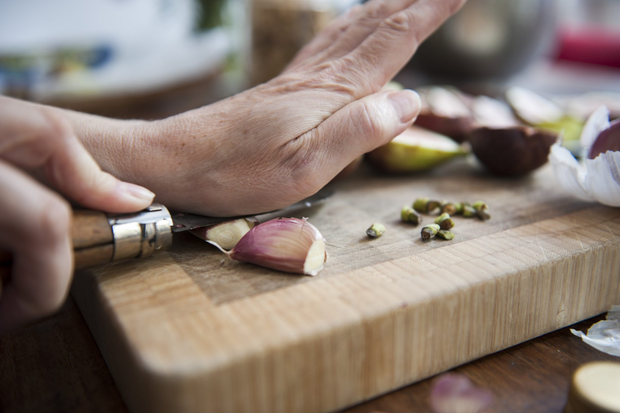 7 Garlic Tricks That'll Get You Off the Jarred Stuff for Good