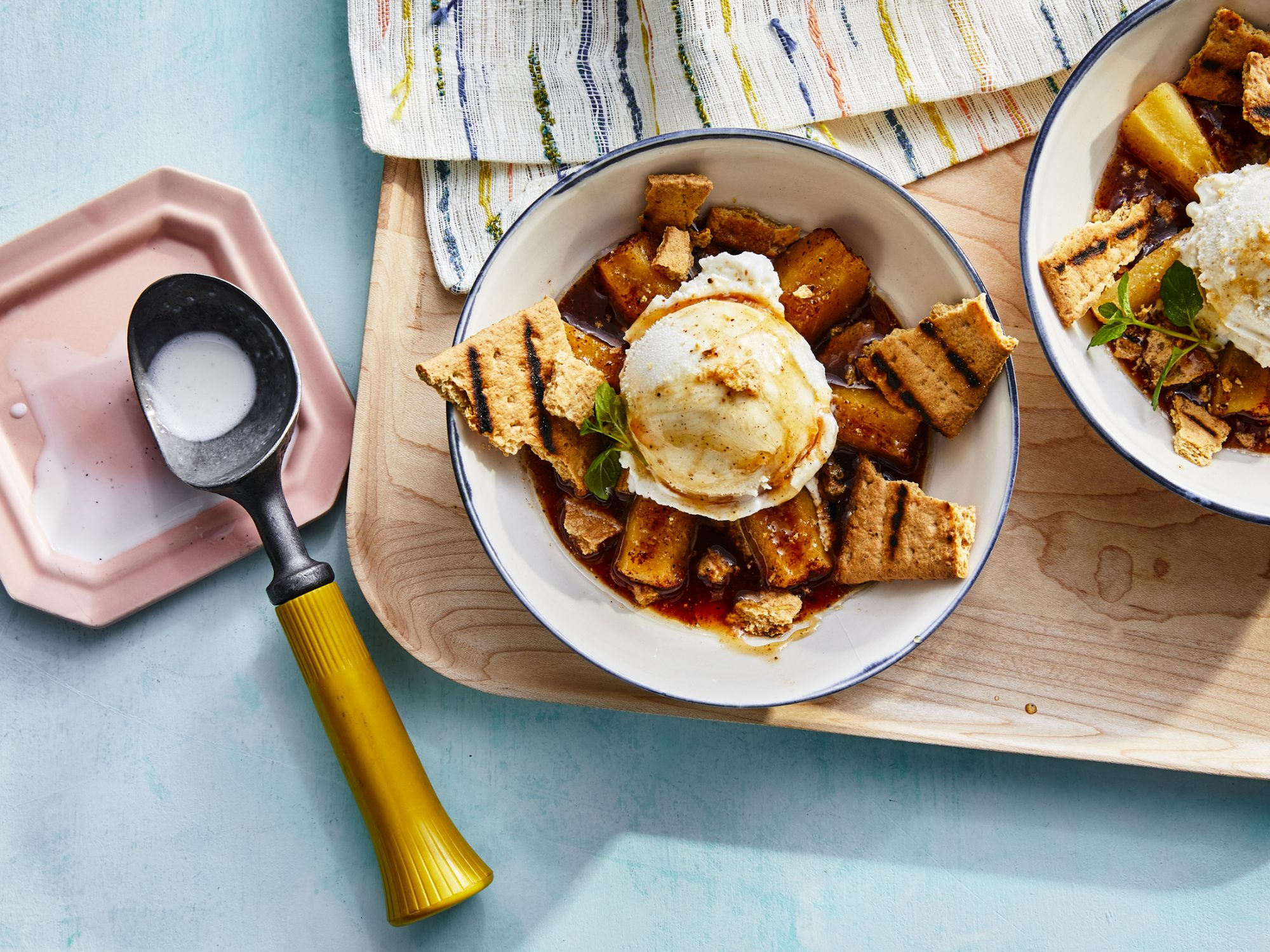 Grilled Apple Pie a la Mode