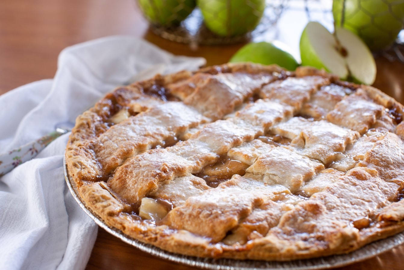 Sam's Club's 4.5-Pound Apple Pie Is Ready For Your Next Picnic