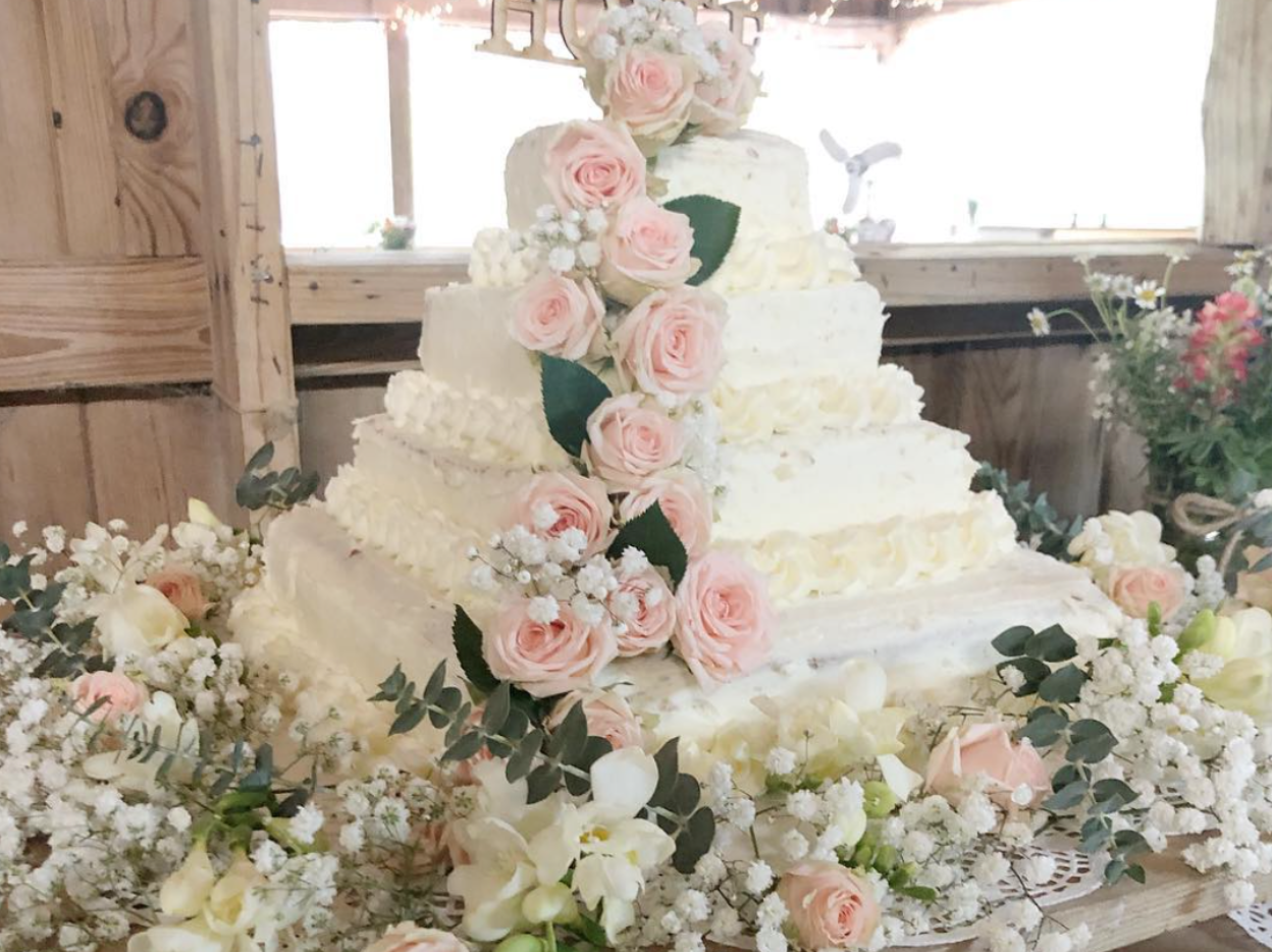 Homemade Wedding Cake.This Gigantic Diy Costco Wedding Cake Only Costs 50 Myrecipes