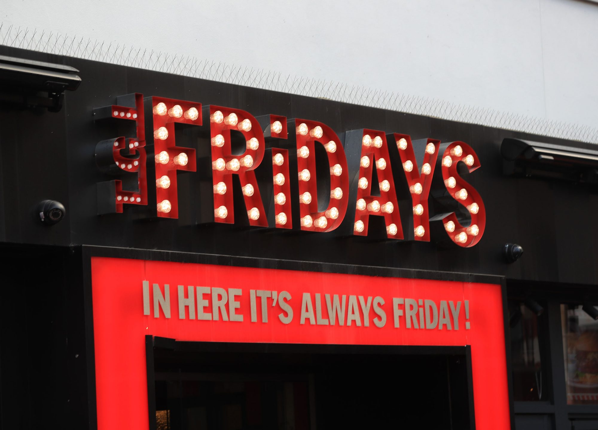 Hero Sues TGI Fridays Over Hidden Drink Prices
