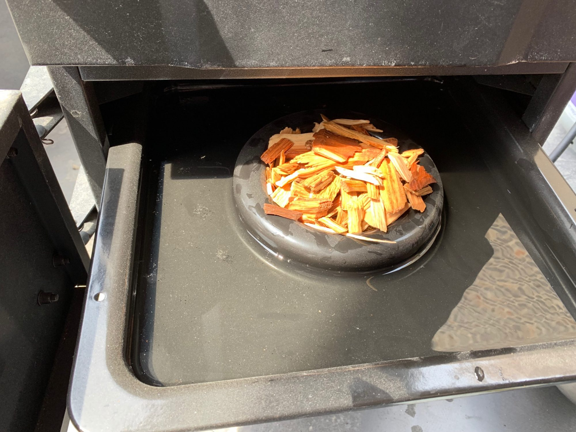 smoking tray with chips