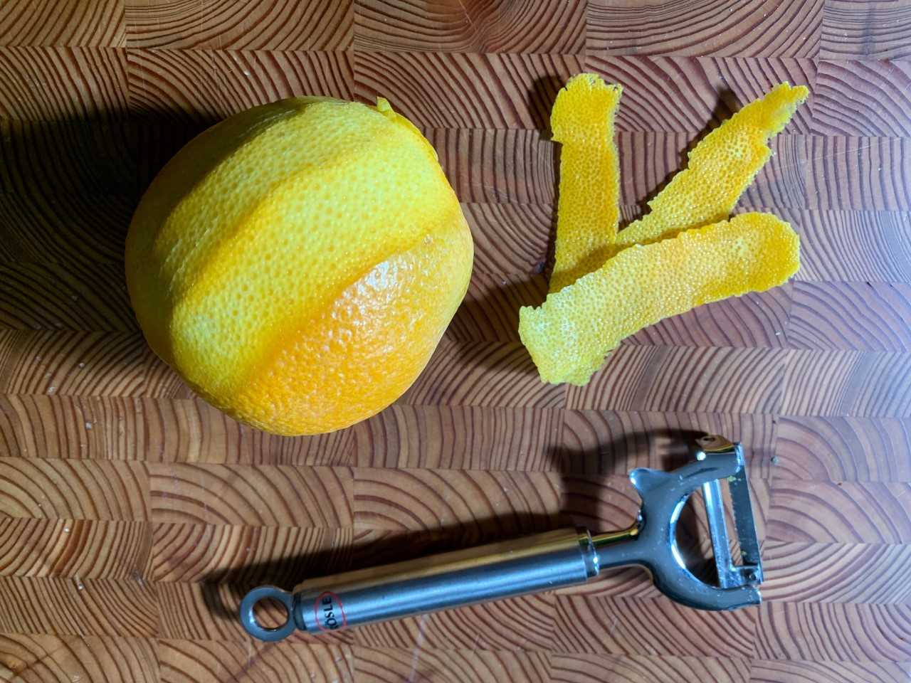 cut-orange-peel