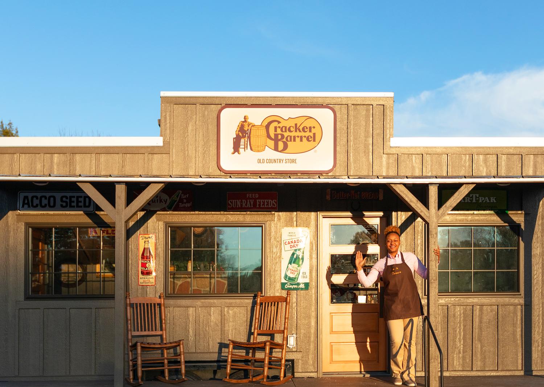 Cracker Barrel Opens a Tiny Restaurant in New York City