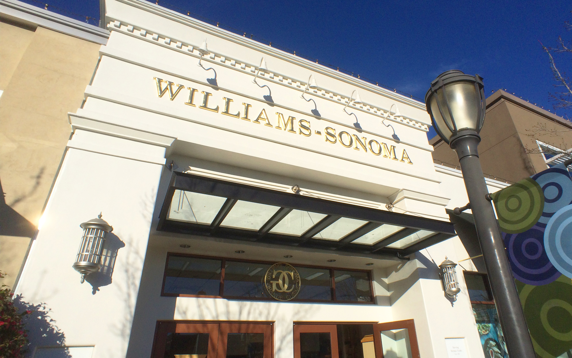 Williams-Sonoma Is Hiring Thousands of Remote Workers for the Holidays