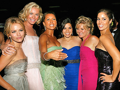 America Ferrera, Becki Newton, Rebecca Romijn, Vanessa Williams y Ashley Jensen