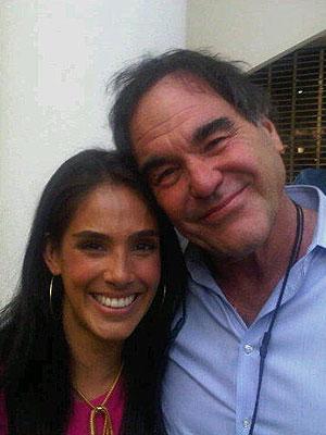 SANDRA ECHEVERRÍA, Oliver Stone, Twitter