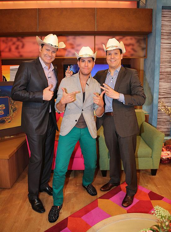 Christian Chávez, Alan Tacher, Raúl González, Míralos