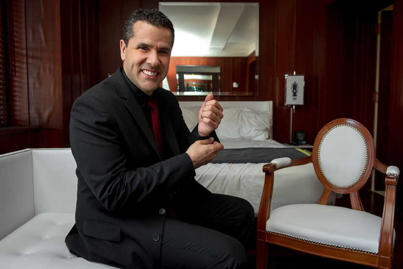 Marco Antonio Regil, Un día con