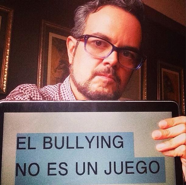 Aleks Syntek, bullying