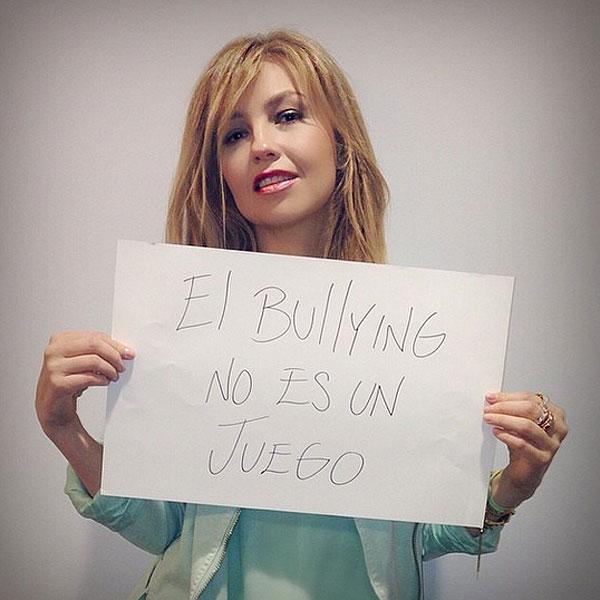 Thalía, bullying