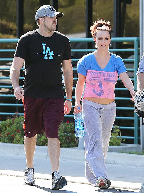 Britney Spears, David Lucado, Míralos