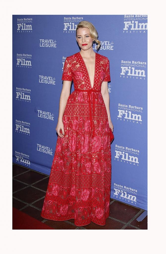 Elizabeth Banks, vestidos rojos