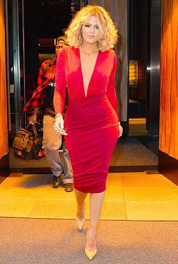 Khloe Kardashian, vestido rojo