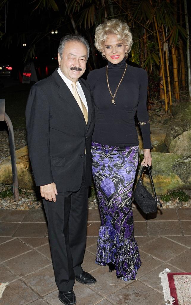 Charytin Goyco y Elin Ortiz