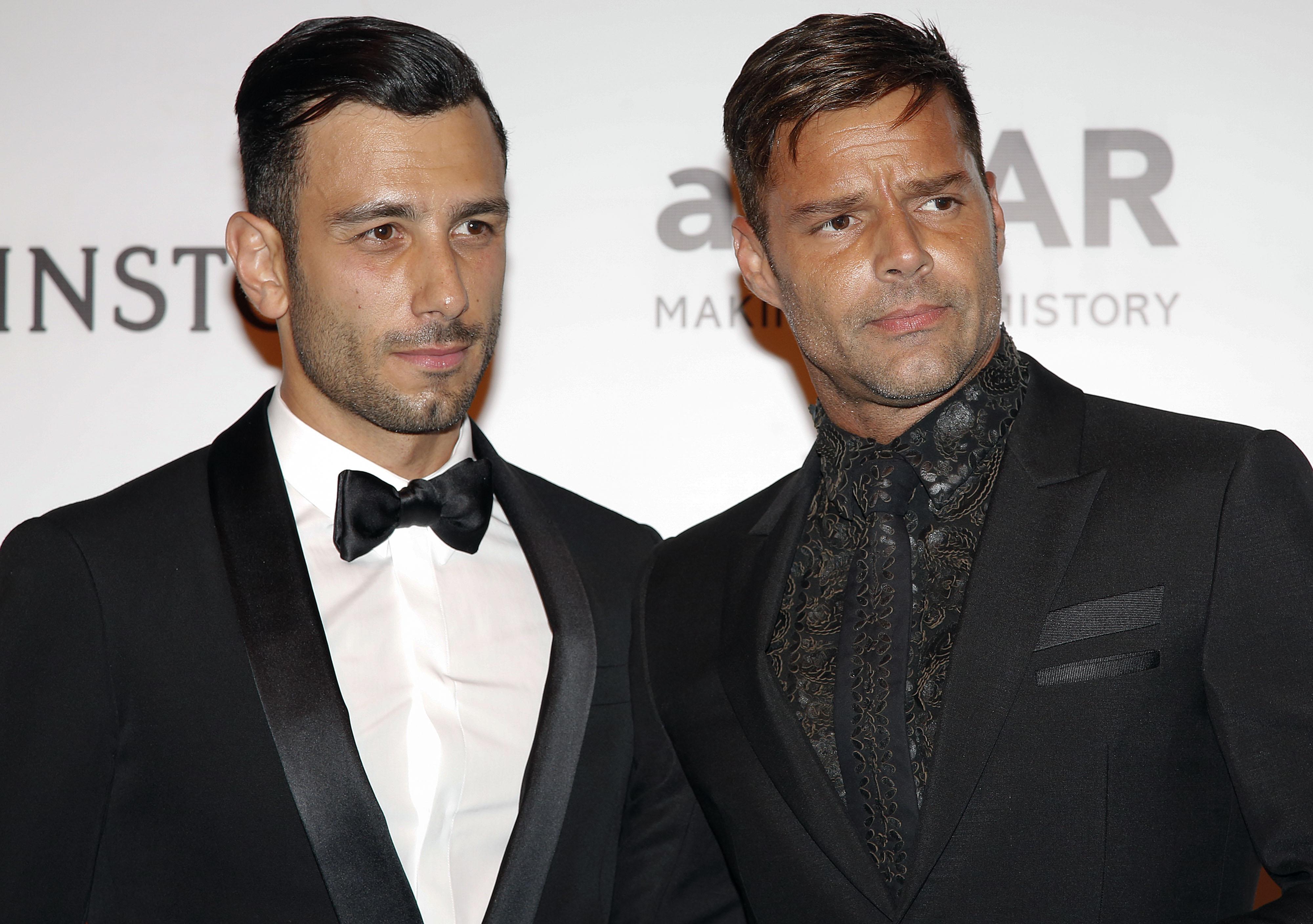 Ricky Martin con su prometido Jwan Yosef