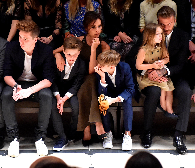 Brooklyn Beckham, Cruz Beckham, Victoria Beckham, Romeo Beckham, Harper Beckham y David Beckham
