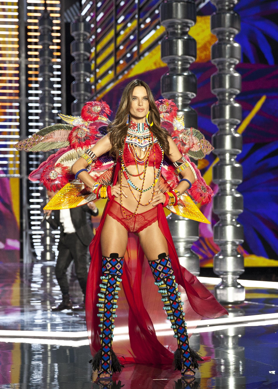 Alessandra Ambrosio, Victorias secret, fashion show, show, desfile, china