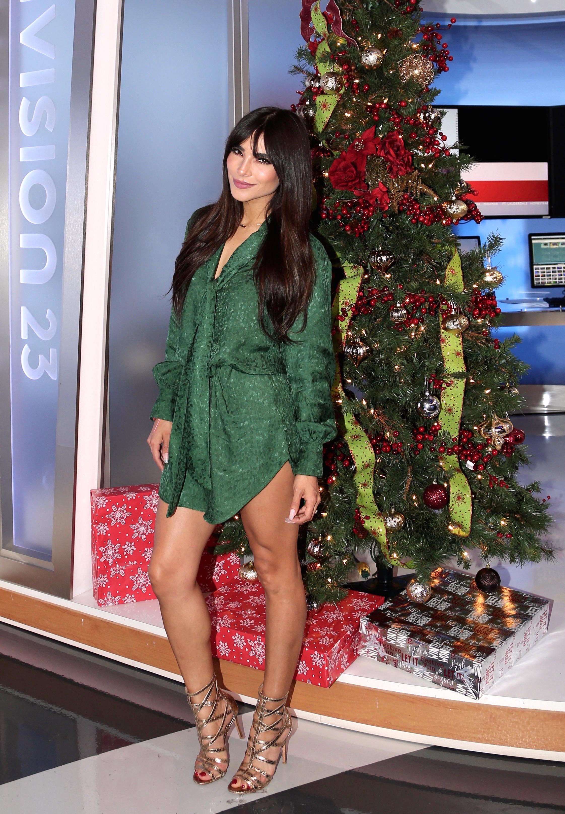 Alejandra Espinoza, looks, estilo