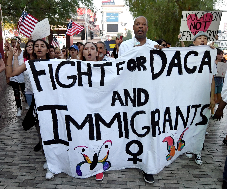 Protestas por decisión de terminar DACA.