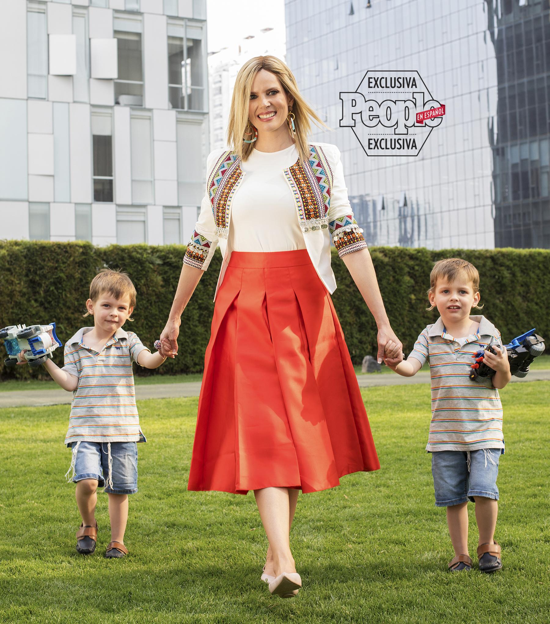 Sarah Mintz y su familia