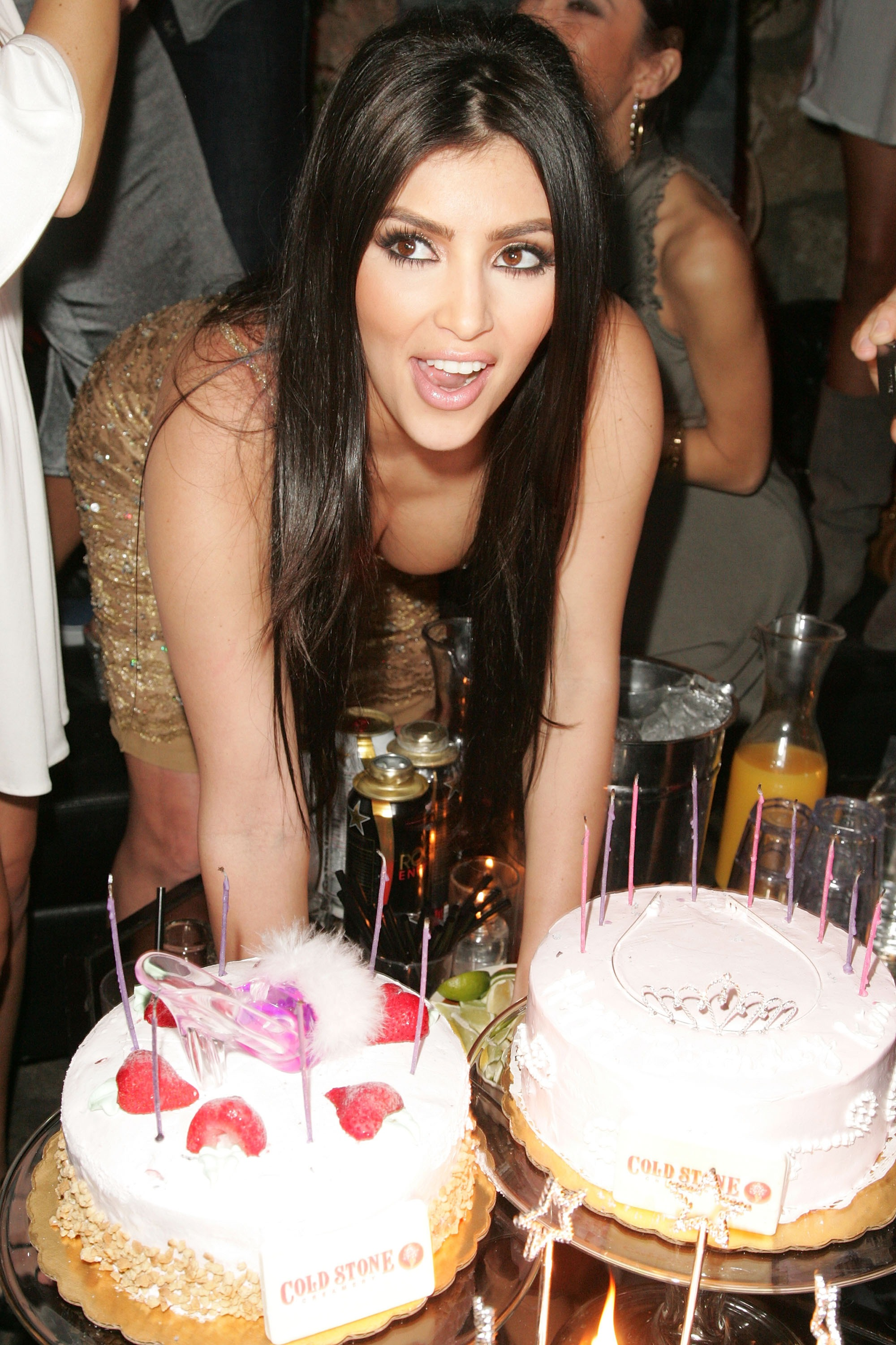 Kim Kardashian Celebrates Her Birthday At Les Deux - Inside