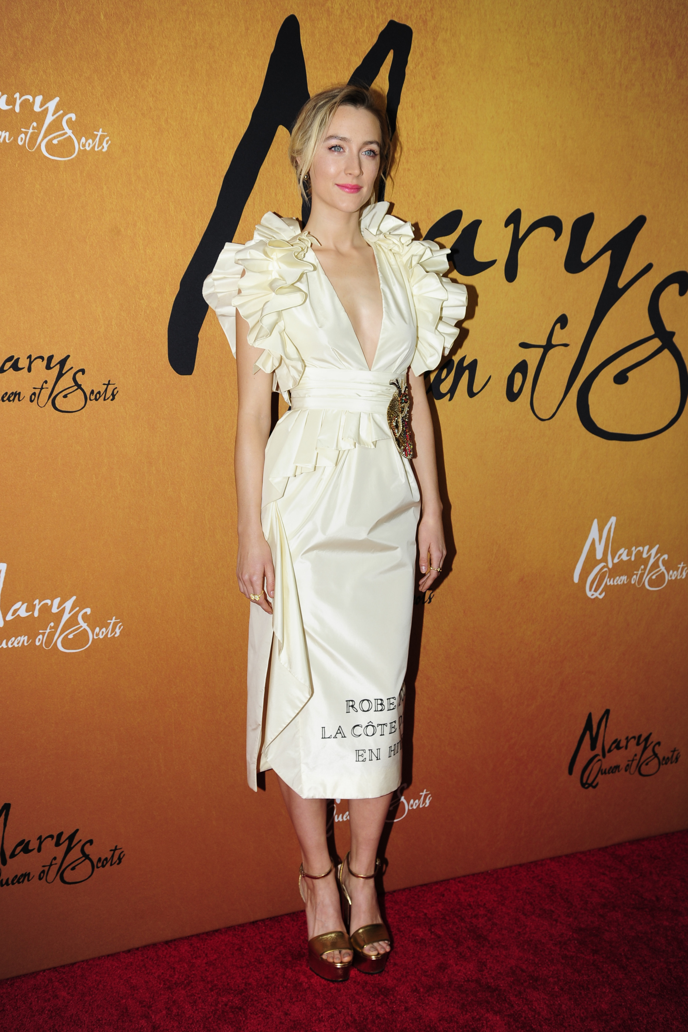 Saoirse Ronan , looks